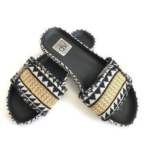 Dolce Vita Black Yellow Woven Slide Sandals Sz 6.5